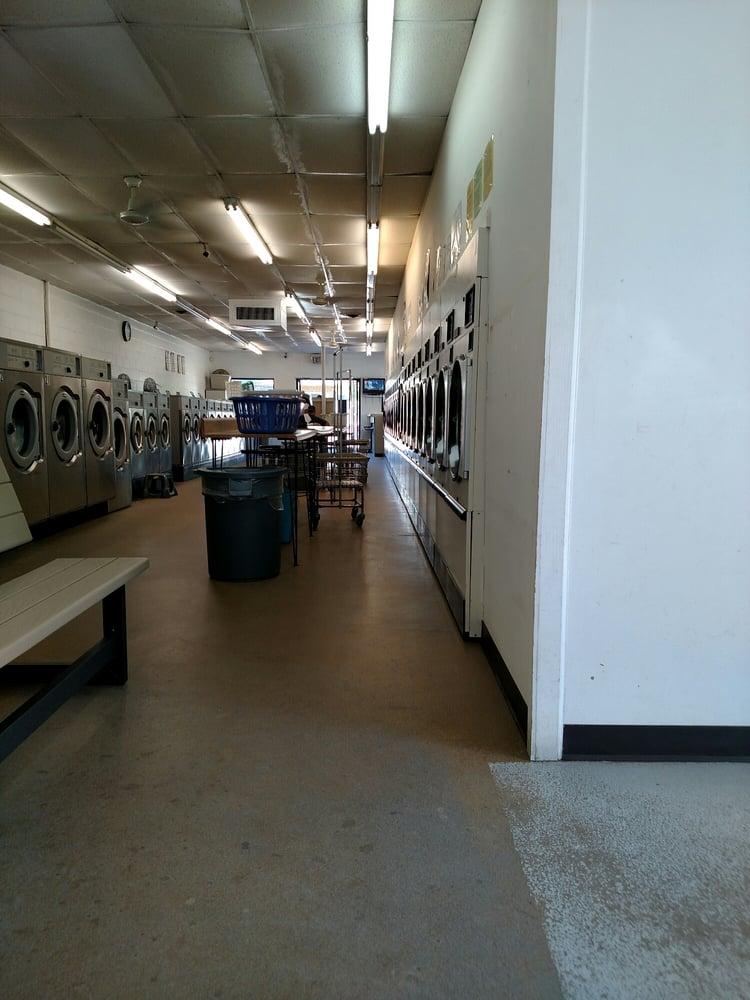 Centre Coin Laundry: 11926 Centre St, Chester, VA