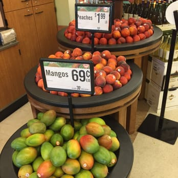Is there a rewards program at Haggen Food Grocery Store?