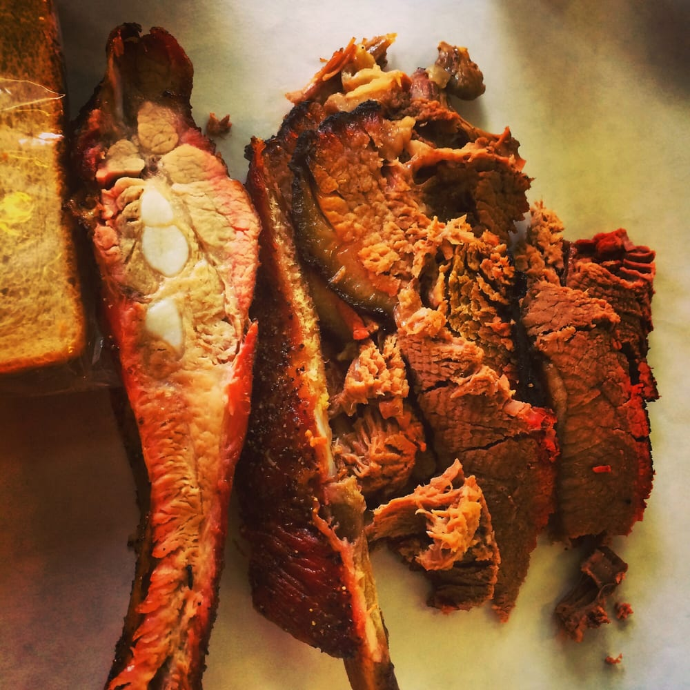 Toodie's BBQ: 205 N Market St, Hearne, TX
