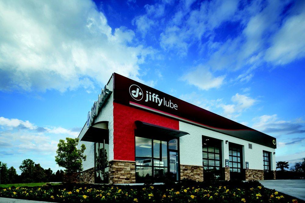 Jiffy Lube: 2340 N Maize Rd, Wichita, KS