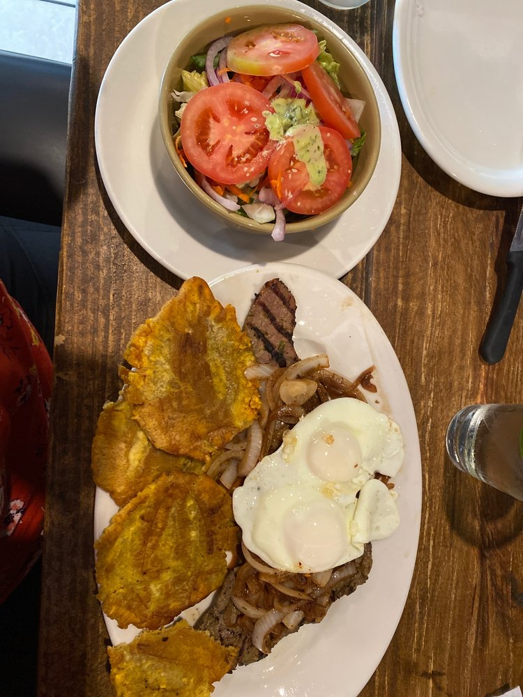Mi Carreta Restaurant and Bakery: 2705 54th Ave N, St. Petersburg, FL