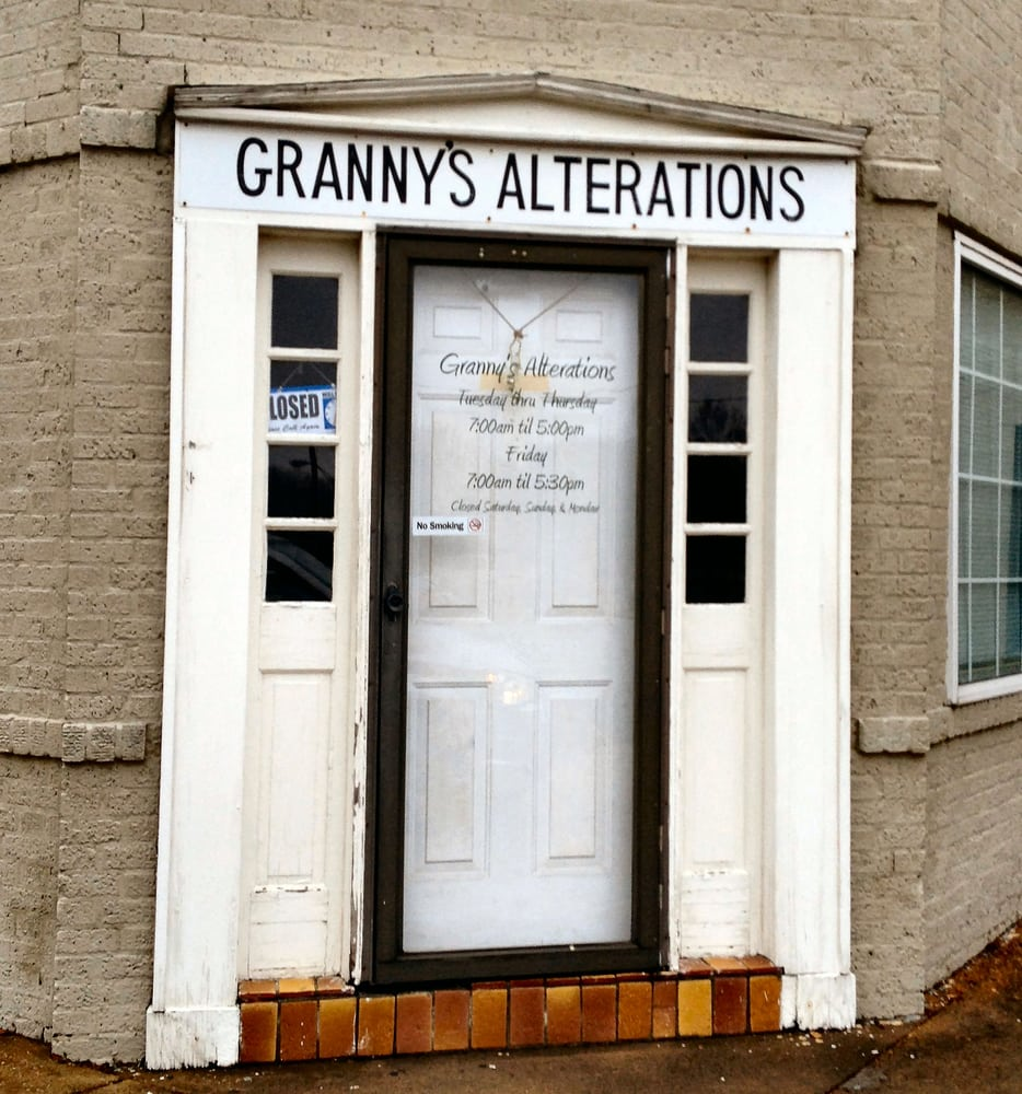 Granny's Alterations: 711 Cruise St, Corinth, MS