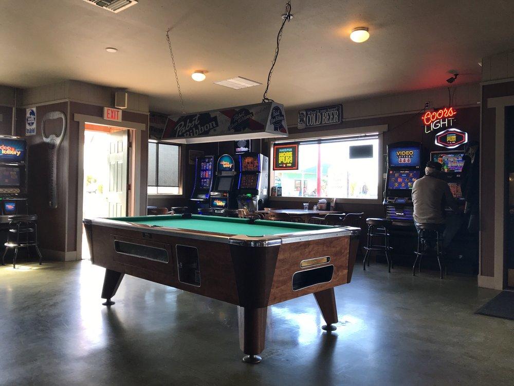 Arcade Tavern: 135 Alabama Ave SE, Bandon, OR