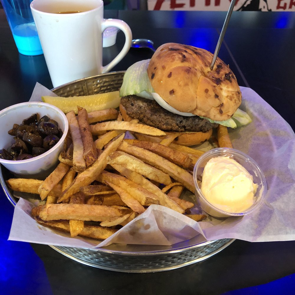 Yetti's Bar and Grill: 11190 N Goede Rd, Edgerton, WI
