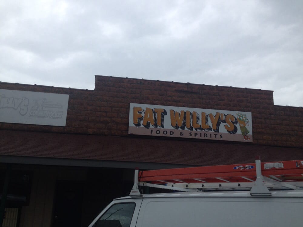 Fat Willy's: 109 E Mulberry St, Chatham, IL
