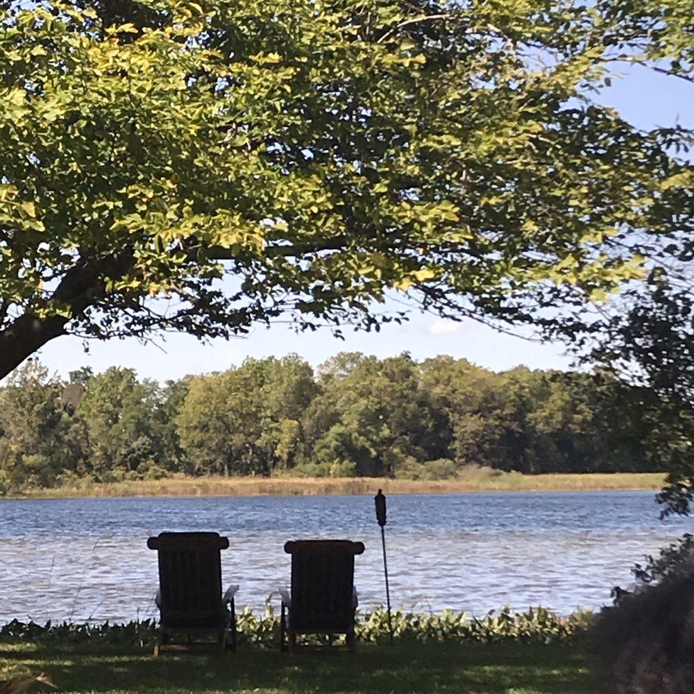 Artistre Escapes Island Garden Venue: Coldwater, MI