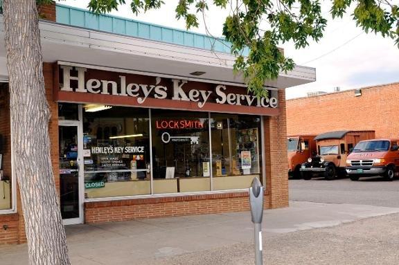 Henley's Key Svc
