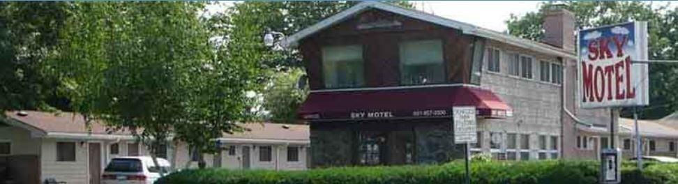 Sky Motel Hotels 125 3rd Ave Lindenhurst Ny Phone Number Last Updated December 16 2018 Yelp