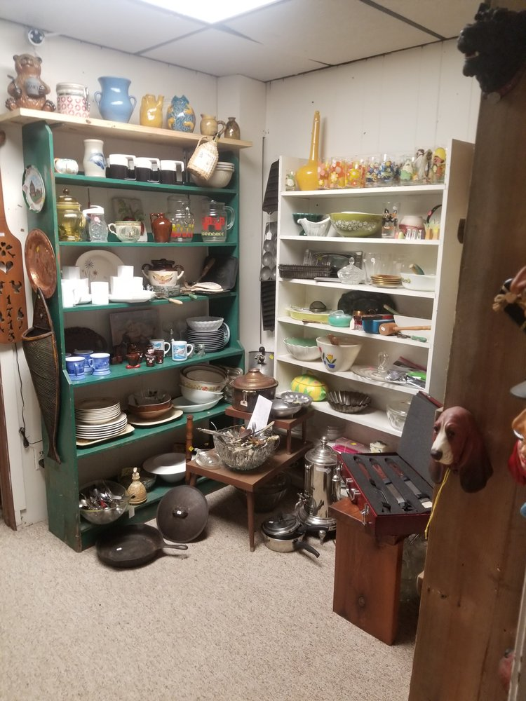 Thrifty Drifter: 838 West Pine St, Eagle River, WI