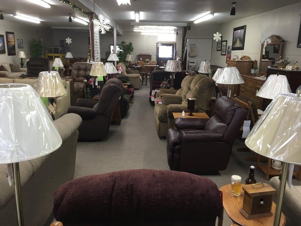 Killian Furniture & Floor Covering: 108 Grant St, Arcadia, WI