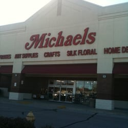 Michaels arts crafts 129 gravois bluffs plaza dr for Michaels crafts pittsford plaza