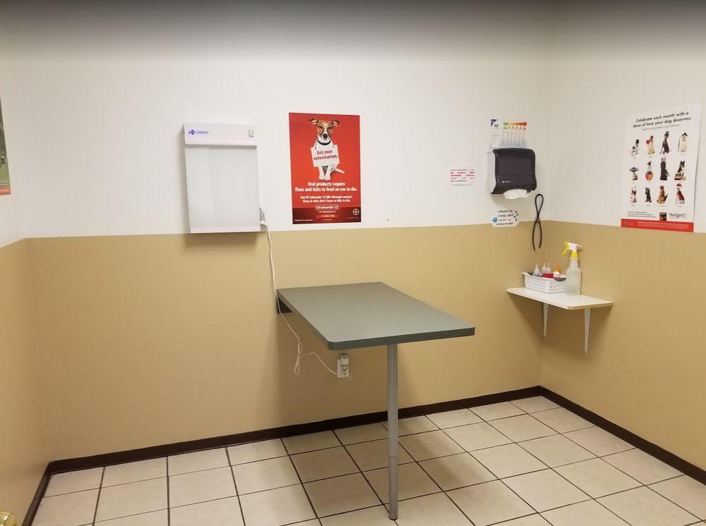 Animal Care Hospital of Belleville: 835 Sumpter Rd, Belleville, MI