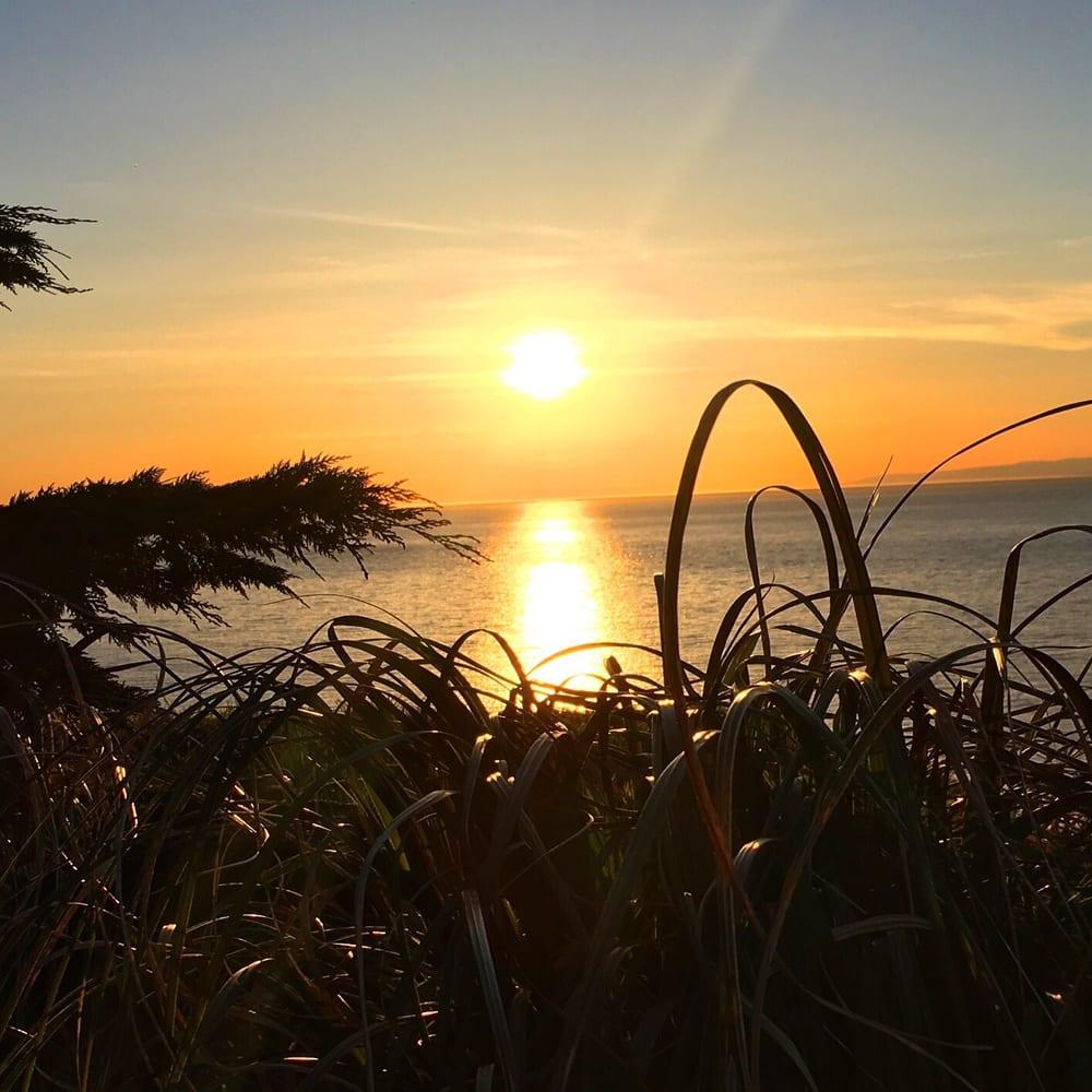 Sea Cliff Gardens: 397 Monterra Dr, Port Angeles, WA