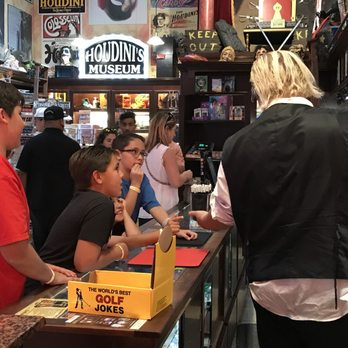 Houdini's Magic Shop - 44 Photos & 17 Reviews - Hobby Shops