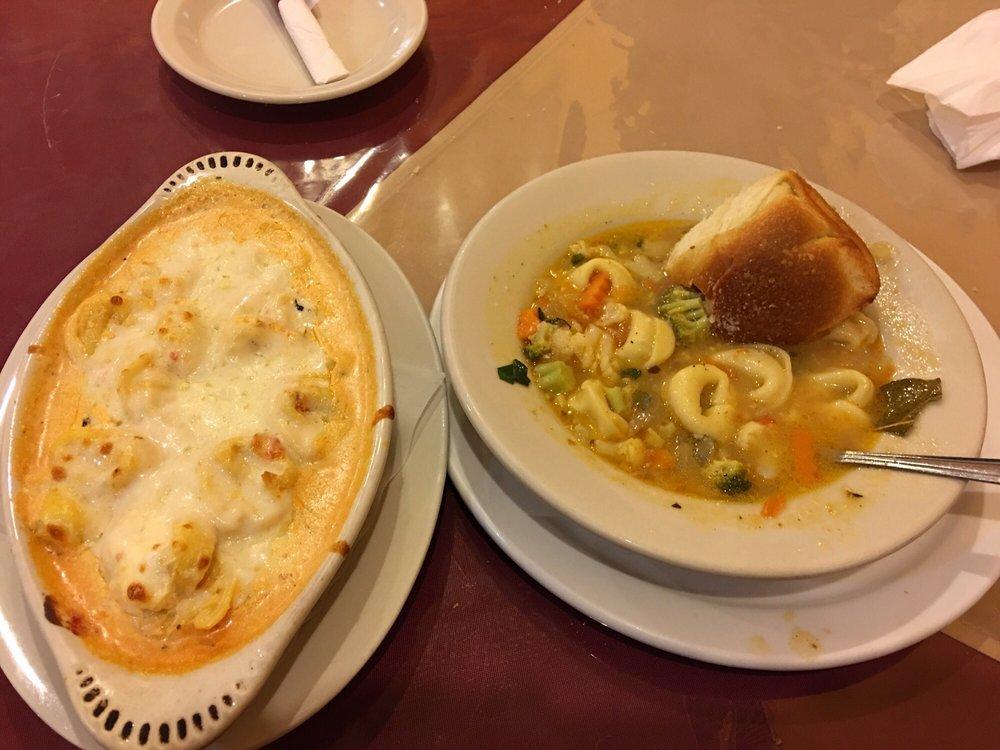 Ginnos Italian Restaurant: 113 N Central Ave, Cameron, TX