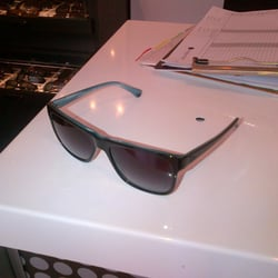 Sunglass Hut Reviews  sunglass hut 17 reviews eyewear opticians 5620 paseo del