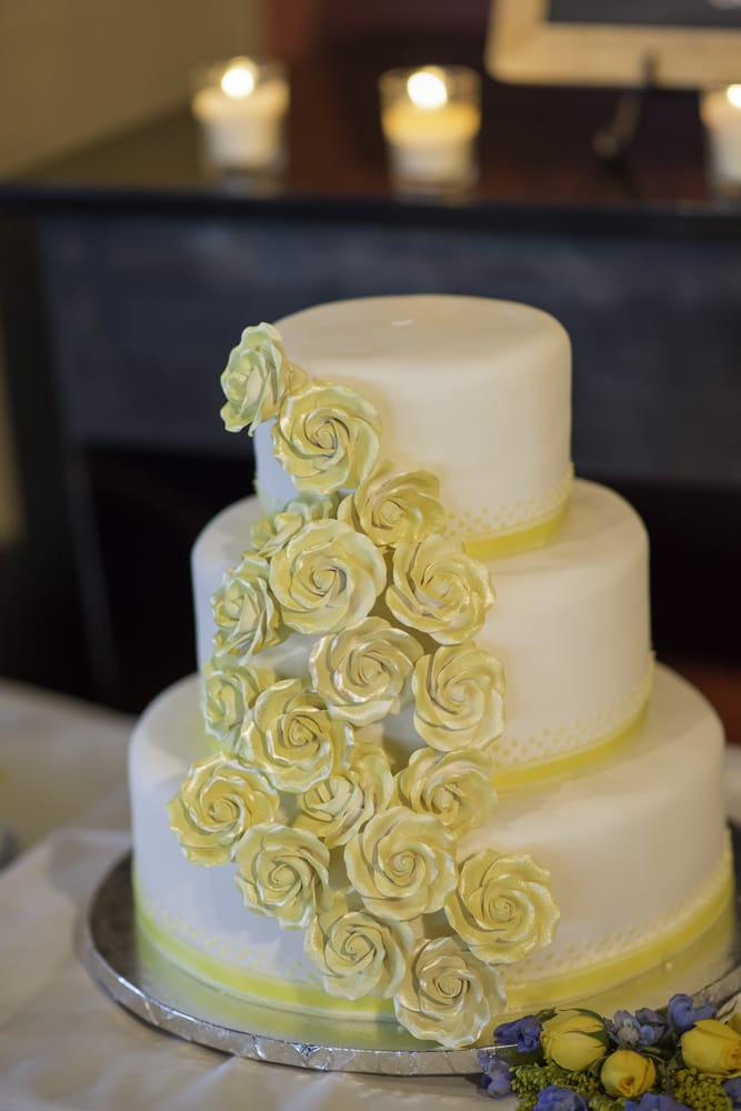 My wedding cake from My Goodness Cakes! - Yelp