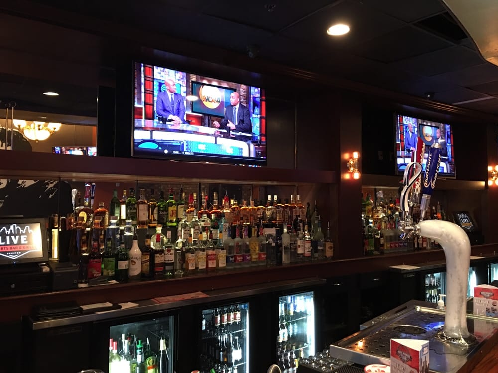 Love sports bar and grill is awesome yelp for Live food bar yelp