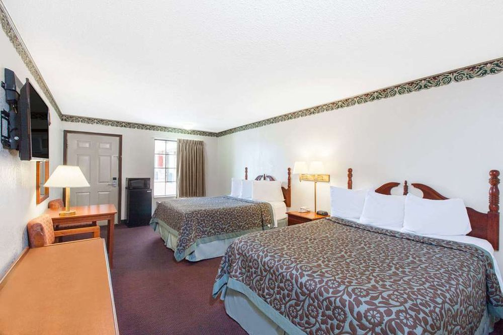 Days Inn by Wyndham Erick: 1014 North Sheb Wooley Ave, Erick, OK
