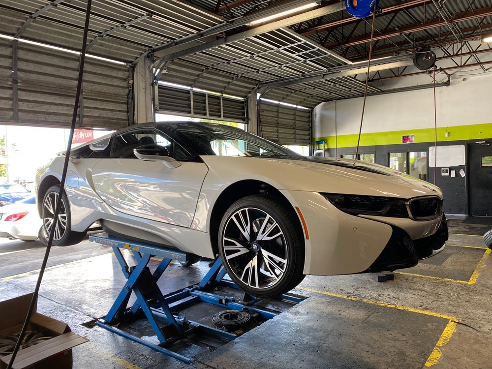Mr Goma Tires & Wheels: 20282 NW 2nd Ave, Miami, FL