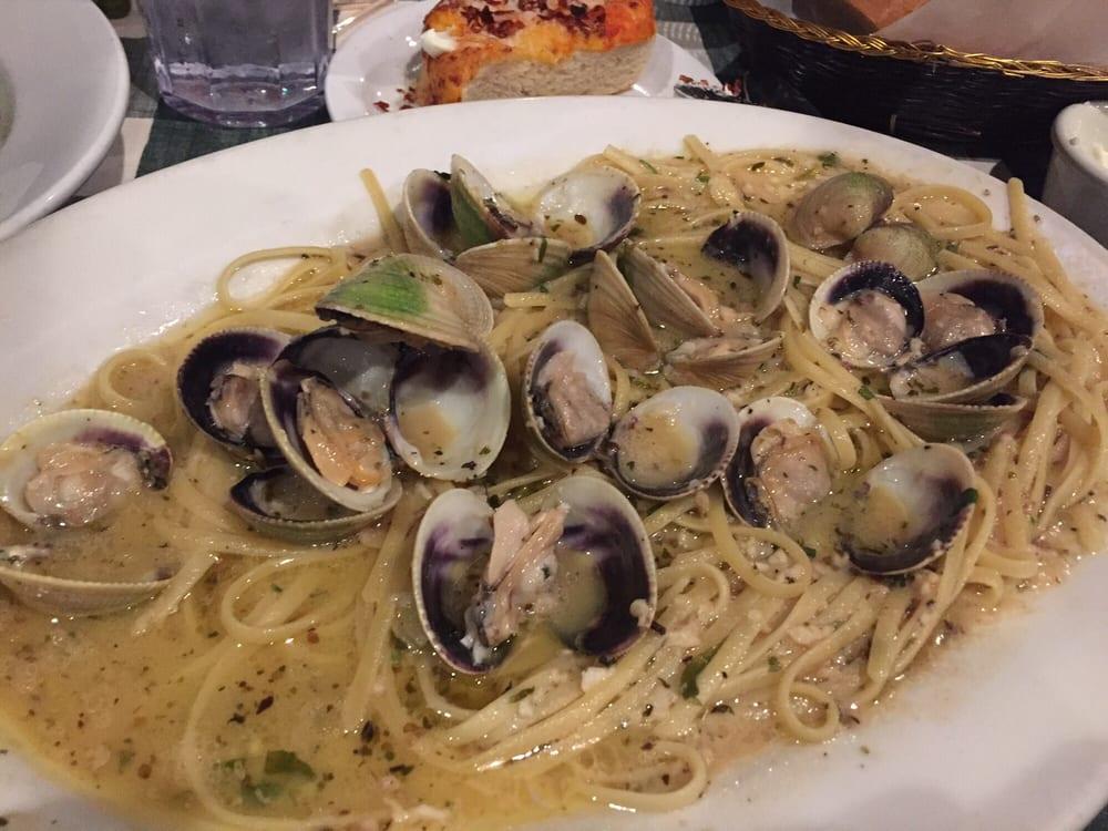 Peppino S Italian Restaurant: Fresh Clams And Linguini ($21)