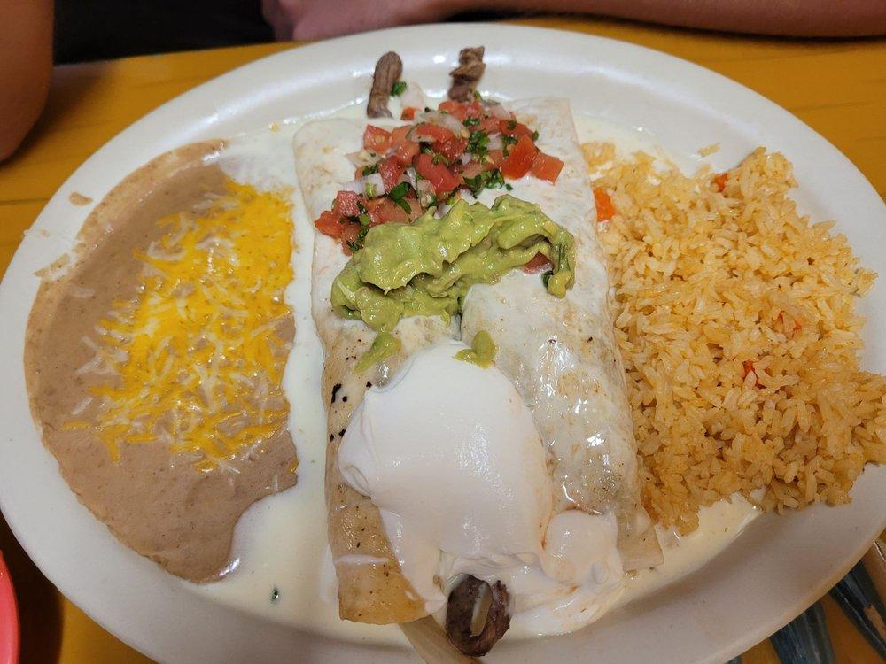 La Cocina Mexican Restaurant: 928 N Lincoln Ave, York, NE