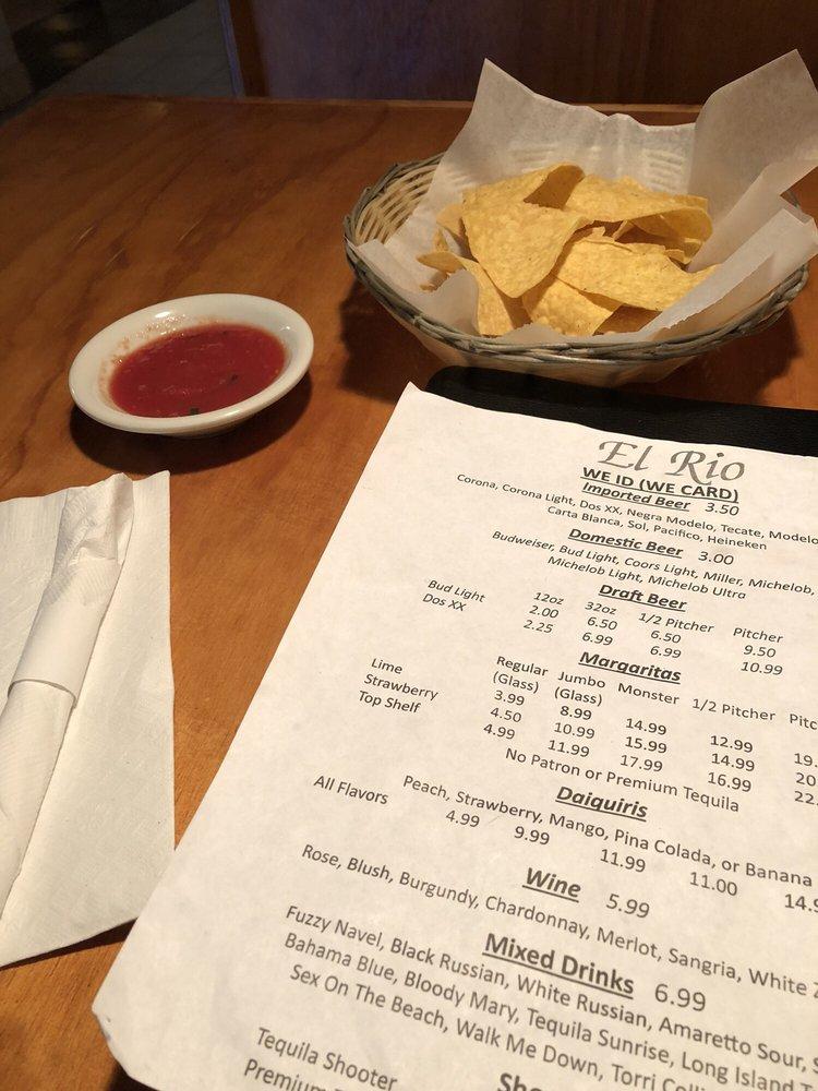 El Rio Mexican Restaurant: 109 Main St, Como, MS