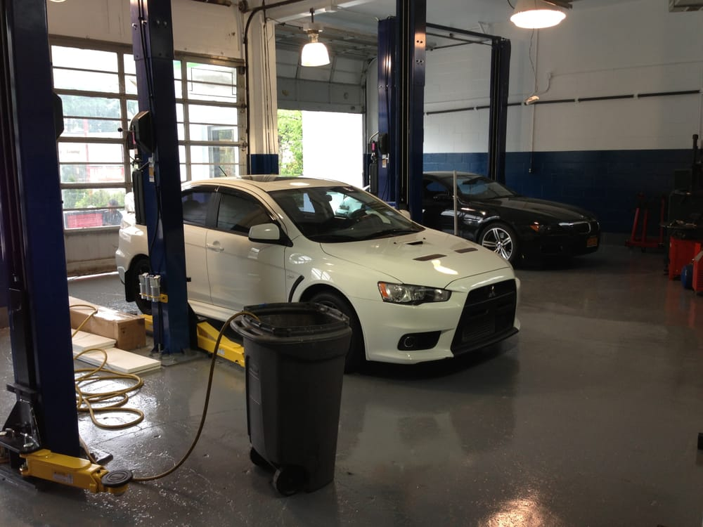 Pauls Auto Repair: 133 Cutter Mill Rd, Great Neck, NY