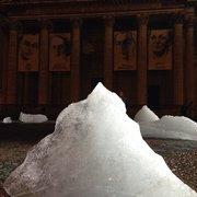 Le Panthéon - Paris, France. L'expo Icewatch sur la place des grands hommes d'Olafur Eliasson.