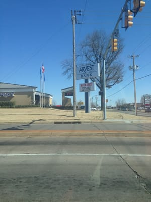 Arvest Bank 9701 E 31st St Tulsa, OK Investments - MapQuest