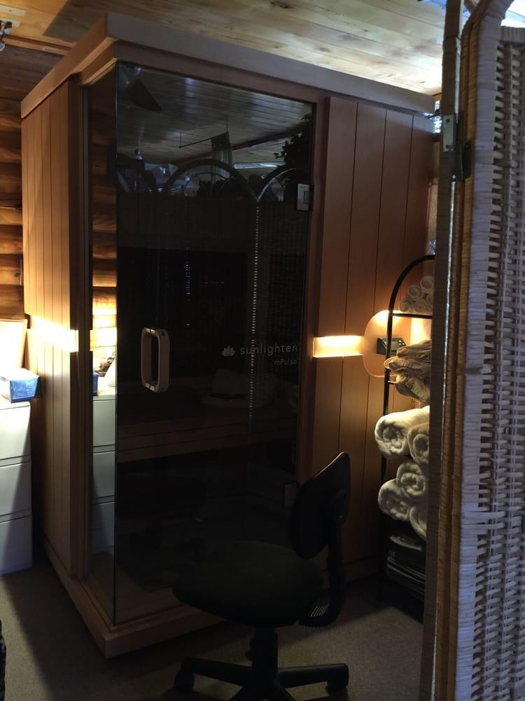 Reniu Laser Day Spa & Salon: 23593 St Hwy 49, Lawton, OK