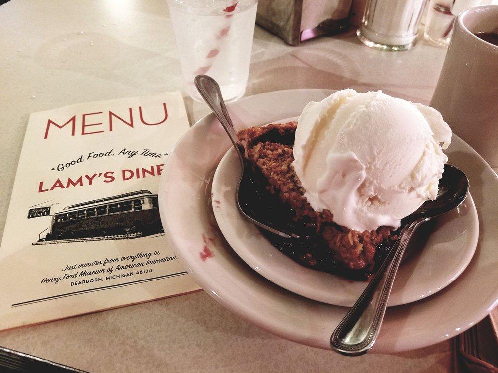 Lamy's Diner: 20900 Oakwood Blvd, Dearborn, MI