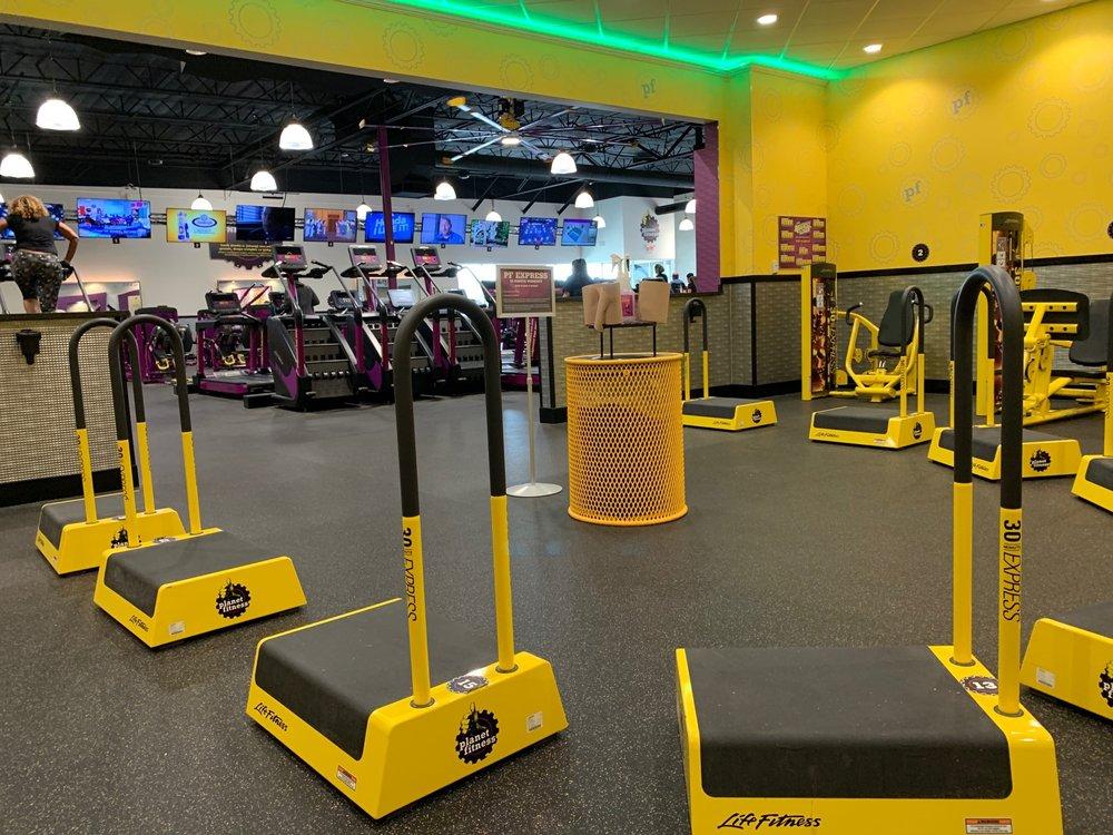Planet Fitness: 20595 N John Wayne Parkway, Maricopa City, AZ