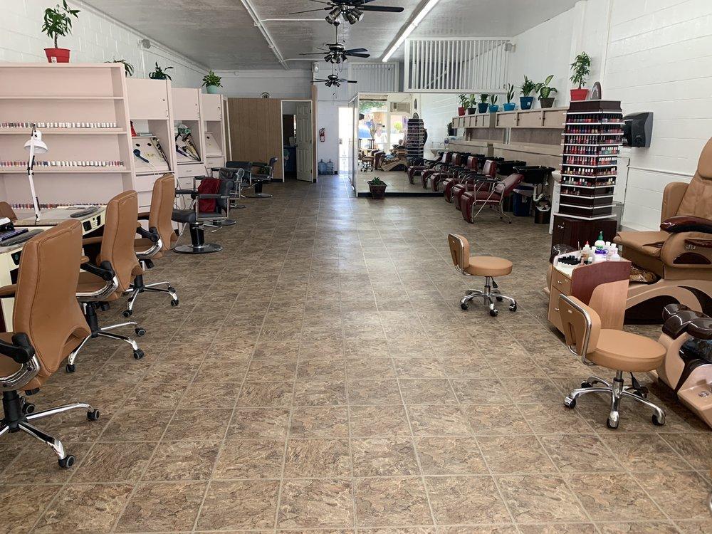 MV Hair & Nails: 1728 N Texas St, Fairfield, CA