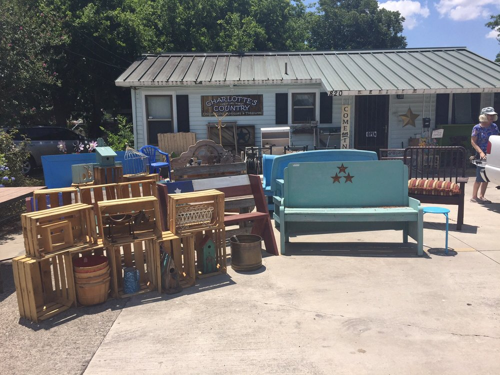 Charlotte's Country: 120 W Seguin, Marion, TX
