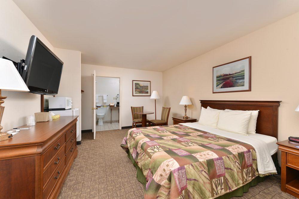 Heritage Inn: 11790 Lexington St, Huntingdon, TN