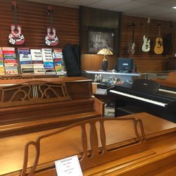 Photo Of Washington Pianos   Auburn, WA, United States. We Sell Guitars,