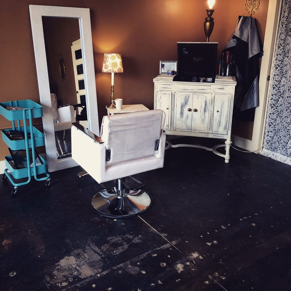 Blown away hair salon hair salons 103 w 4th st clovis for 4th street salon