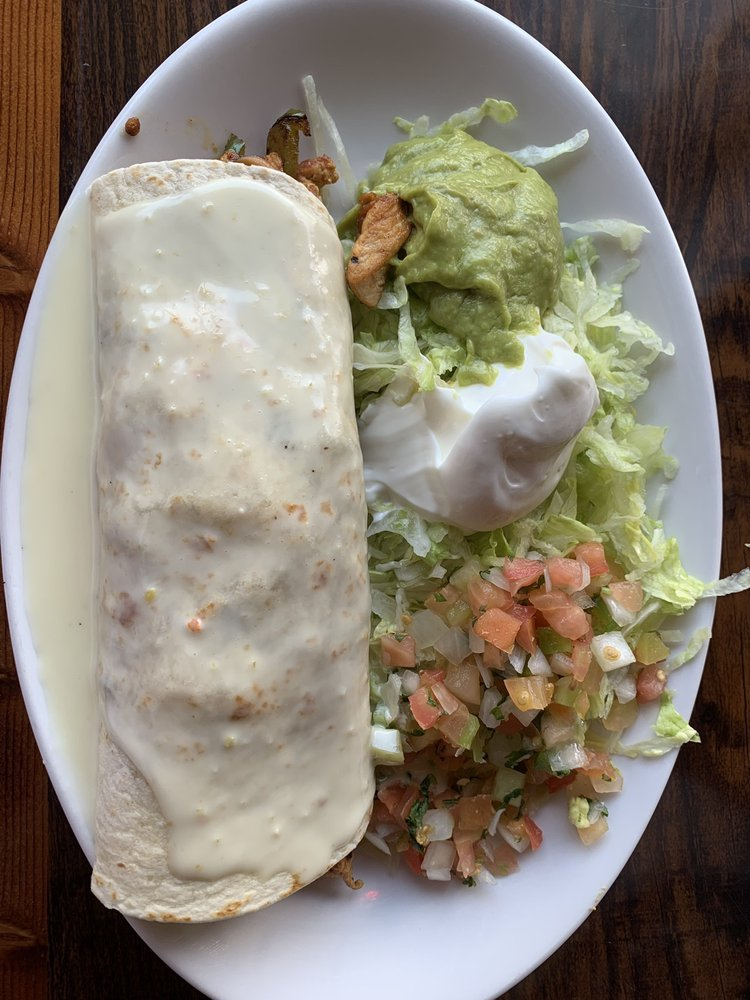 Food from Los Tres Caminos