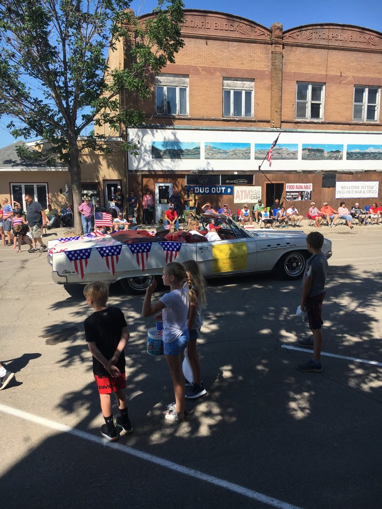 Park River 4th of July Parade: Briggs Ave S, Park River, ND