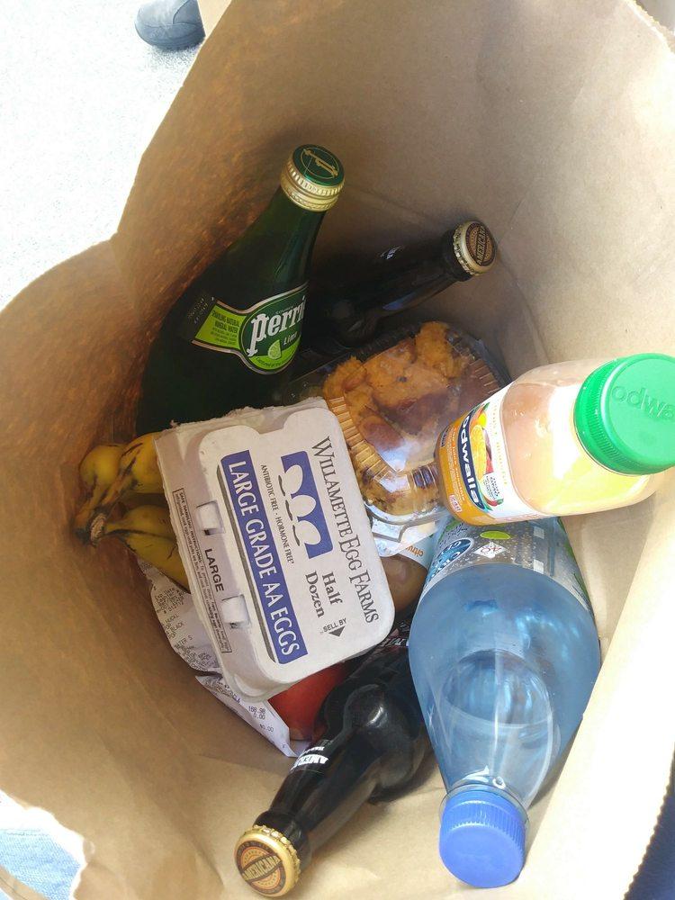 Manzanita Grocery & Deli: 193 Laneda Ave, Manzanita, OR