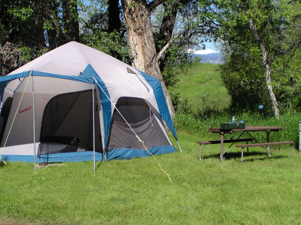Deer Park Campground: 146 US Hwy 16 E, Buffalo, WY