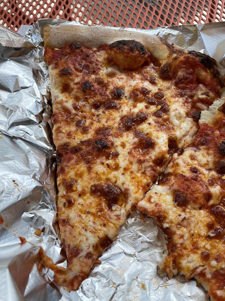 Cockadoodle Pizza Cafe: 235 Main St, Bethel, VT
