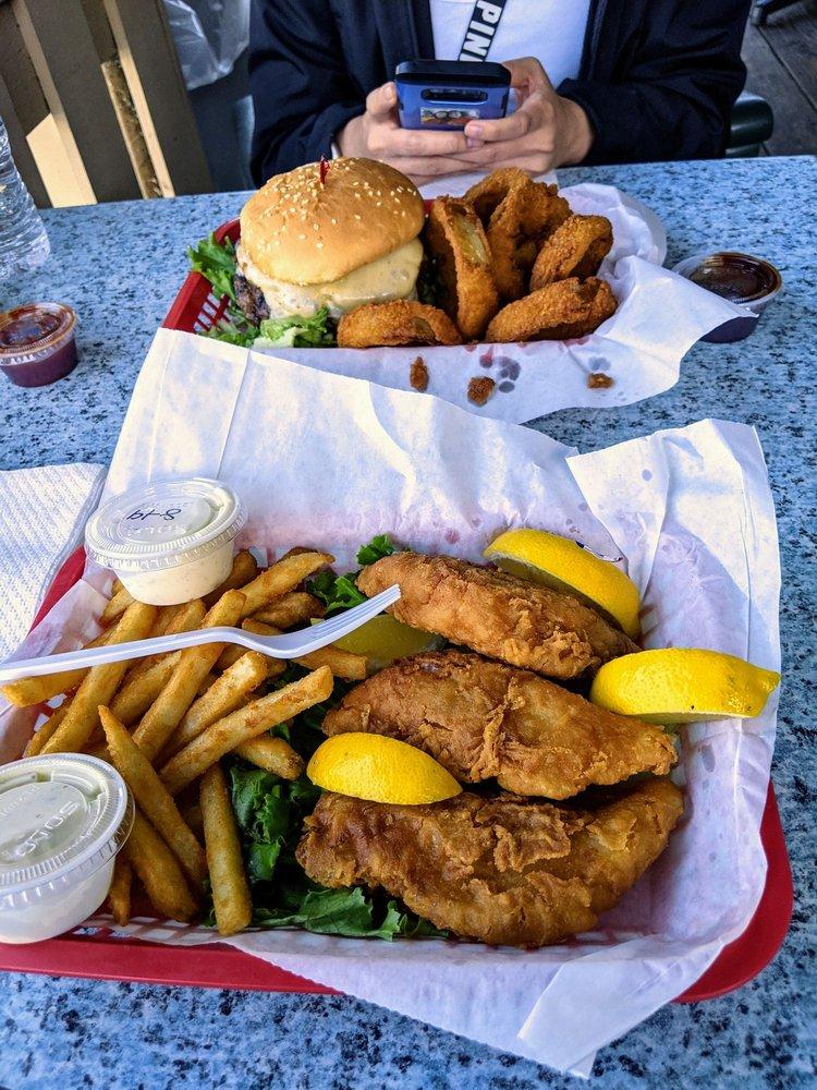 Richmond Park Bar & Grill: 9435 Konocti Bay Rd, Kelseyville, CA
