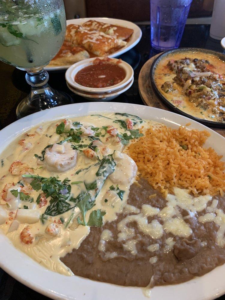 Marias Cocina Mexicana: 106 S Cities Service Hwy, Sulphur, LA