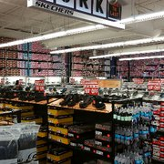 Nov 25,  · Skechers is a great place to shop when you are seeking quality, comfy, classic or trendy shoes that will make your feet happy. This store has much to offer for your feet's pleasure. The bulk of Skechers merchandise are tennis shoes but they also sell a good variety of flats and sandals.4/4(4).