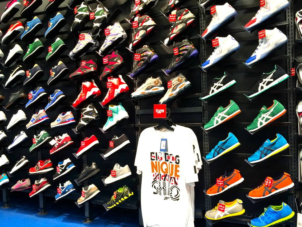 Foot Locker: 1910 Wells Rd, Orange Park, FL