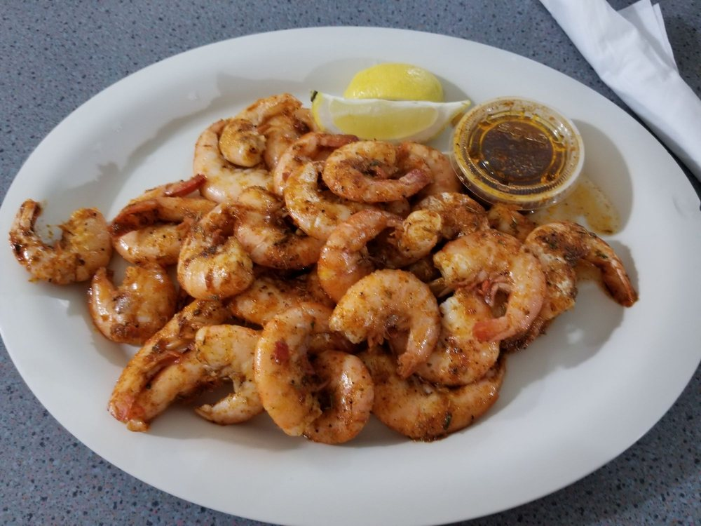 Skip One Seafood Restaurant: 15820 S Tamiami Trl, Fort Myers, FL