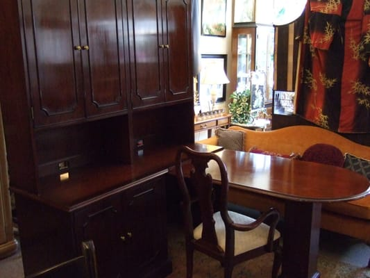 Preamble Consignments 575 Main St East Greenwich, RI General Merchandise  Retail   MapQuest