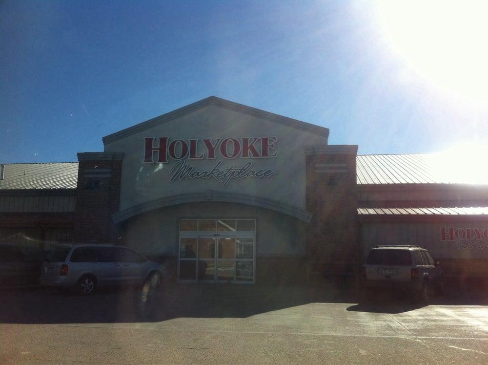 Holyoke Marketplace: 112 E Carnahan St, Holyoke, CO